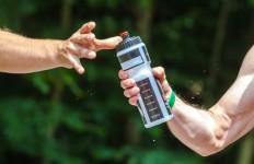 bidon z wodą